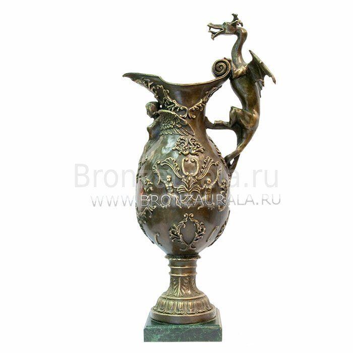 Бронзовая ваза с драконом