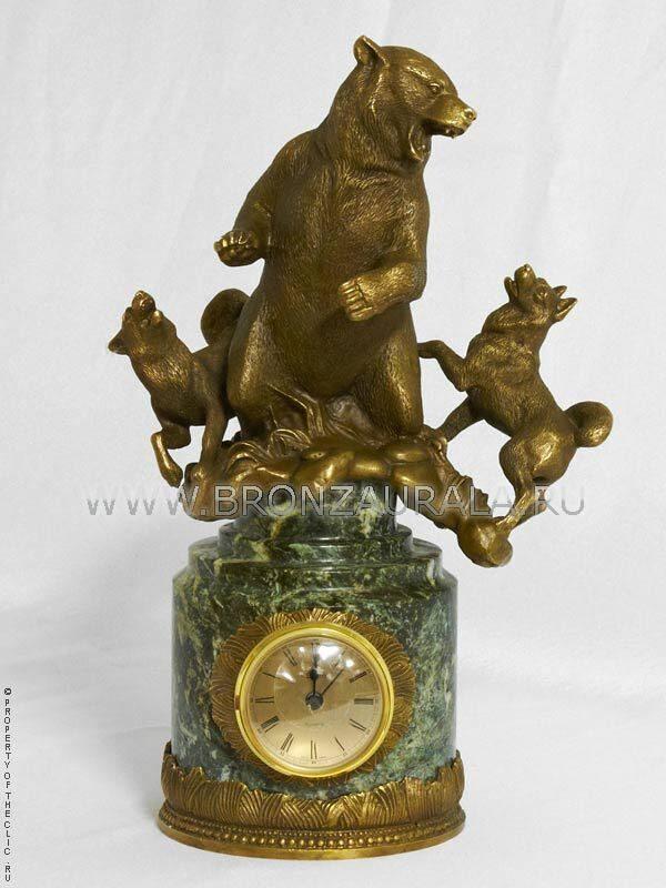 Бронзовые часы Охота на медведя